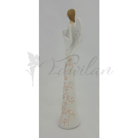 Andělíček s růžovým ornamentem